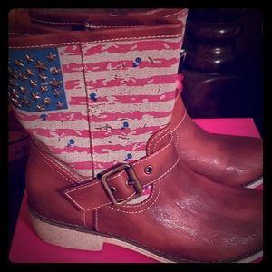 Peggi Ankle Boots